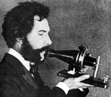 Graham Bell testando sua invenção - Wikimedia Commons