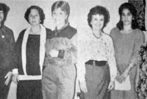Disdie (3ª da esquerda para a direita) é lembrada com carinho por ex-telefonistas - Reprodução: Tucano – arquivo: Jornal Periscópio