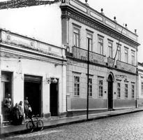 O escritório da Companhia Telefônica Brasileira em Itu ficava localizado na Rua Barão de Itaim, ao lado do Museu Republicano - Sétimo Catherine, 1950