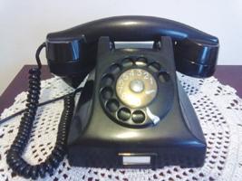 O Bakelite, da Ericsson, foi referência para vários aparelhos posteriores - Reprodução