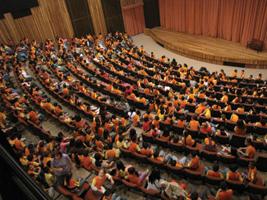 Com 489 lugares, a Sala Palma de Ouro possui grande estrutura capaz de receber grandes espetáculos - A.I. Prefeitura de Salto